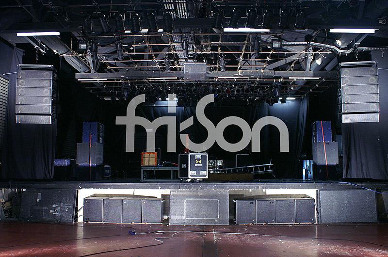 07 Adamson-Installation fri-Son Fribourg