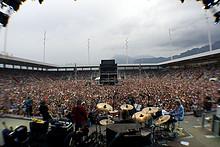 09 Gölä - Die Stadion Show Arena Thun 2011