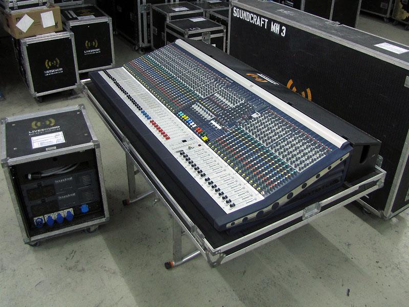 01 Soundcraft MH3