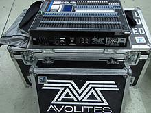 02 Avolites Pearl 2004 komplett mit Case