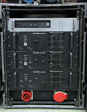 02 Turbosound TMS 3 Set (Teilsystem auf Bild)