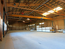 01 Lagerhalle Schüpfen: alles noch leer!