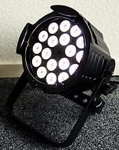 02 OXO Multibeam LED full color + white